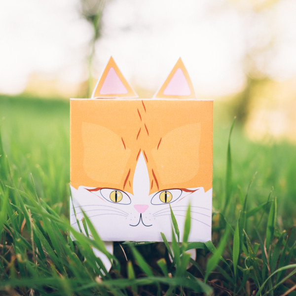PaperLoveToys // Wedding cake toppers