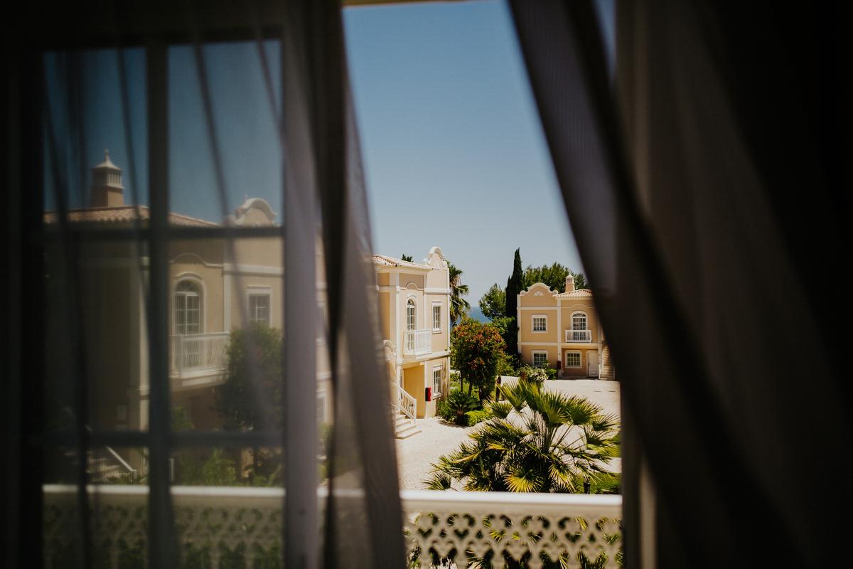 sara-and-leo-suites-alba-destination-wedding-00008