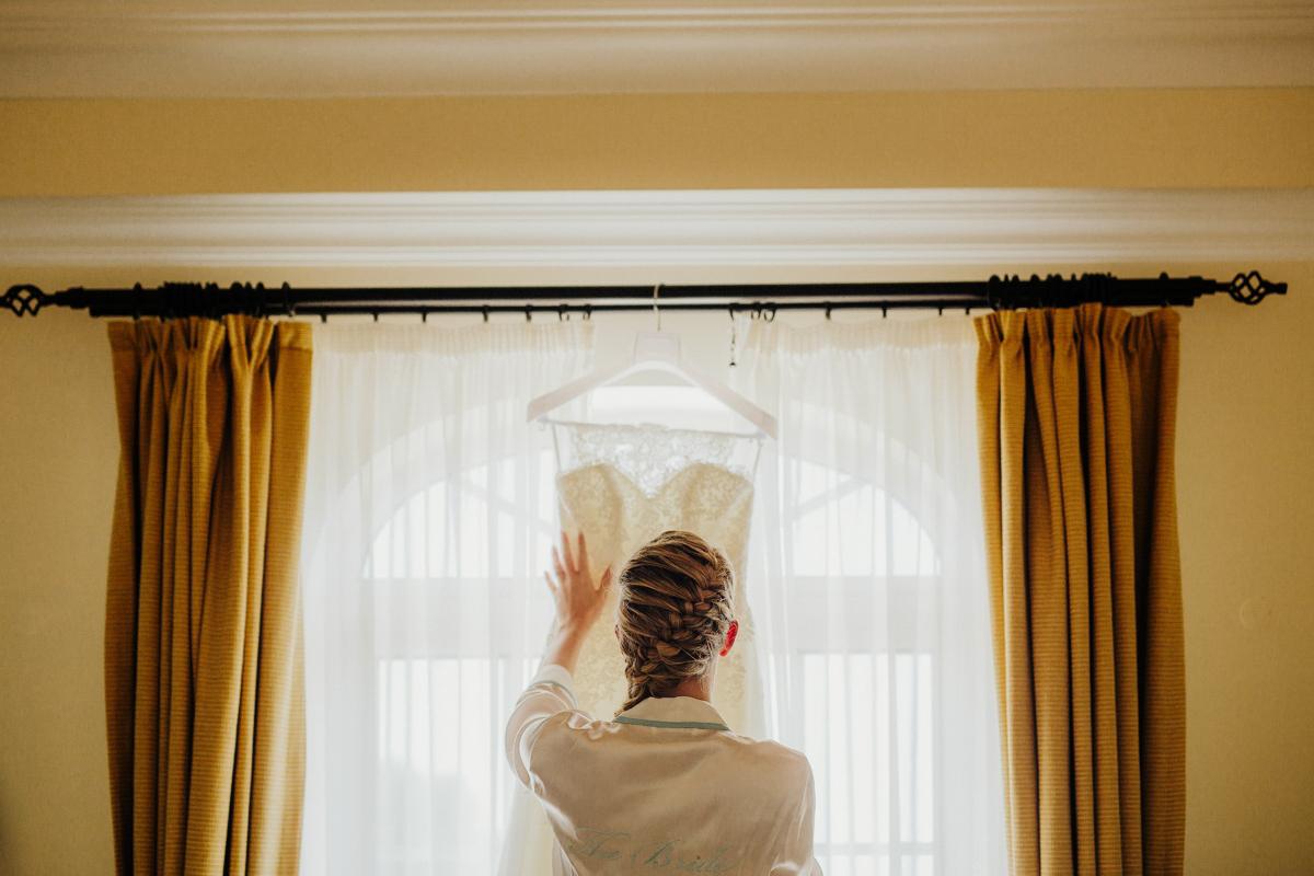 sara-and-leo-suites-alba-destination-wedding-00009