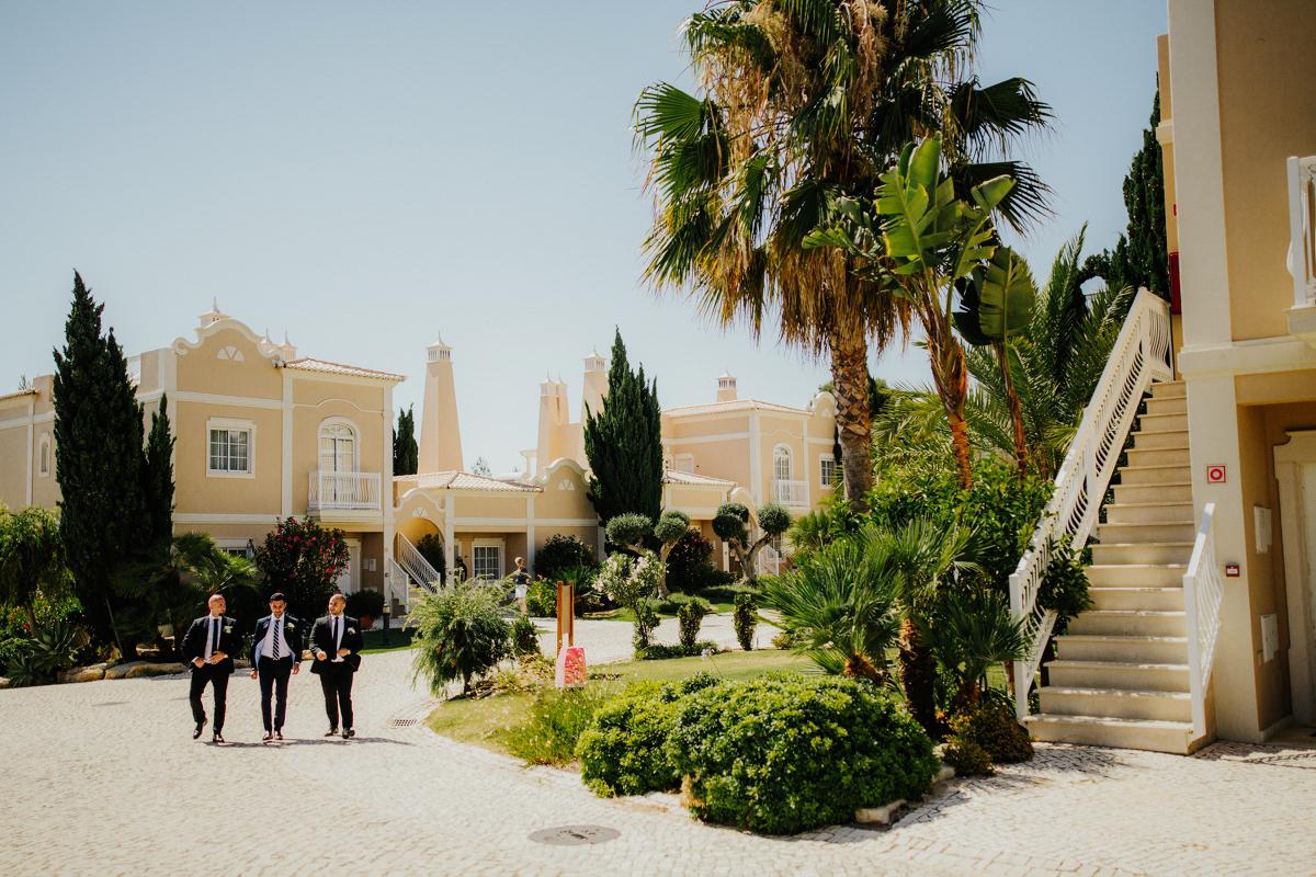 sara-and-leo-suites-alba-destination-wedding-00020