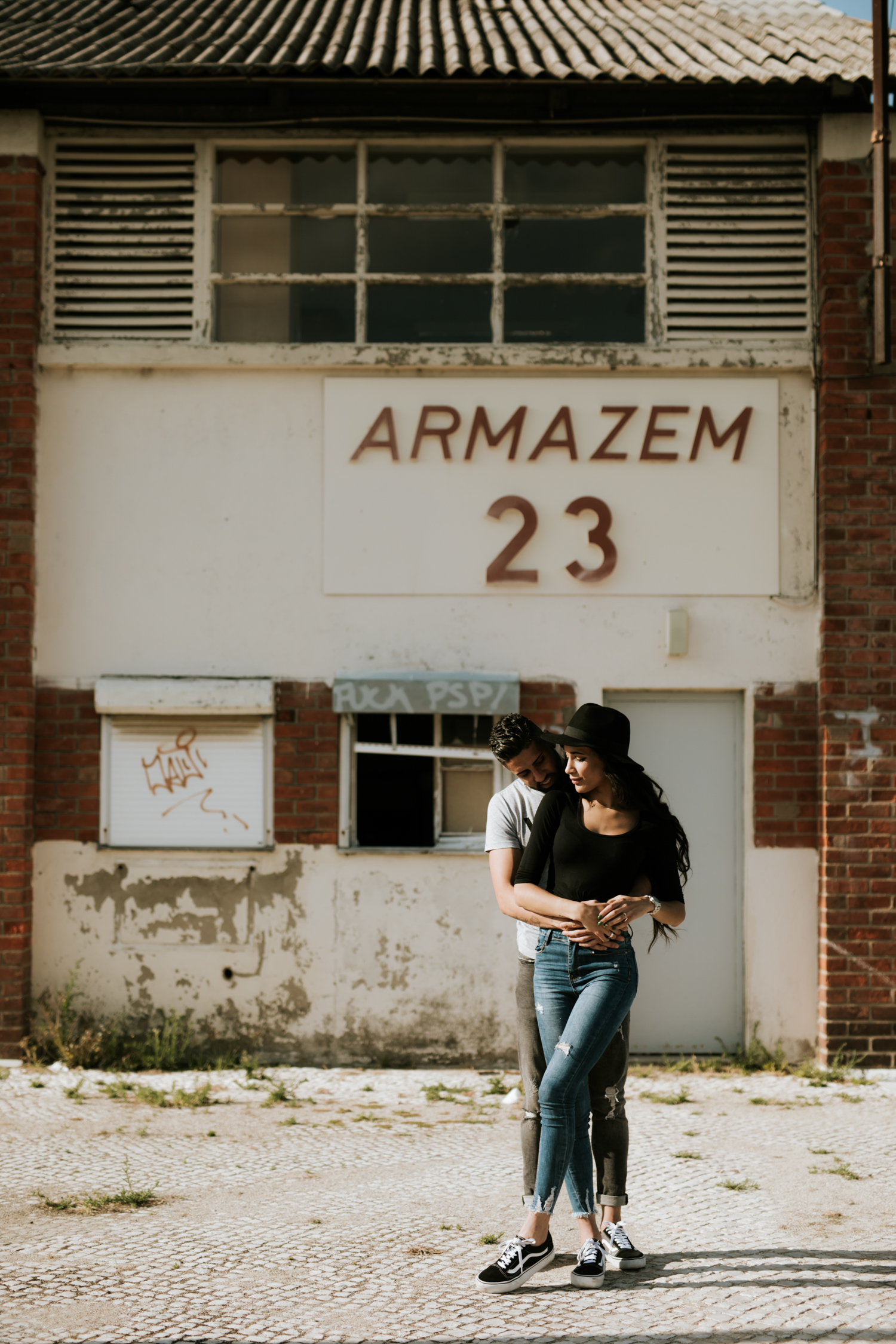 the framers engagement in lisbon photographer